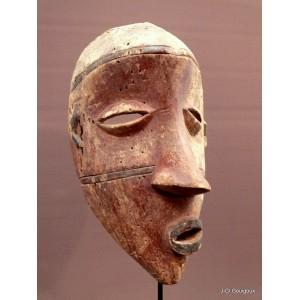 Pende mask Mbangu