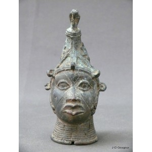 Bronze head of the kingdom of Ife