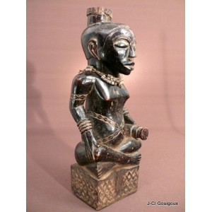 Ndop Statuette royale Bushoong